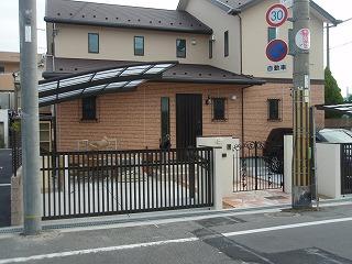 東大阪市 A邸 新築外構工事 跳ね上げゲート 洗濯干し屋根